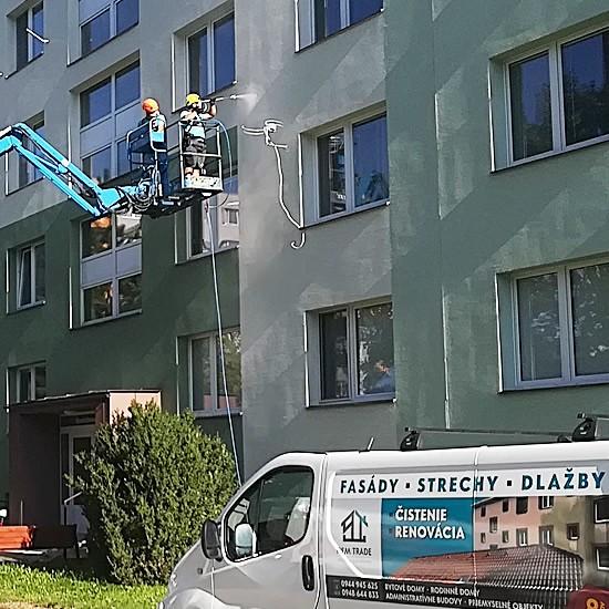 Profesionálne čistenie fasády bytového domu | pemtrade.sk
