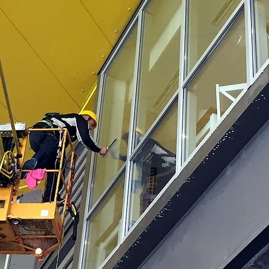Profesionálne čistenie okien | pemtrade.sk