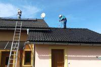 Čistenie strechy na rodinnom dome | pemtrade.sk