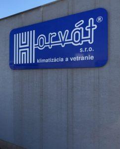 Čistenie fasády Horvát pred