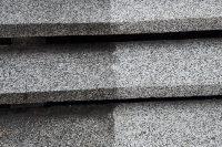 Detail čistenia schodových platní | pemtrade.sk