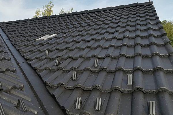 Vyčistená strecha rodinného domu | pemtrade.sk