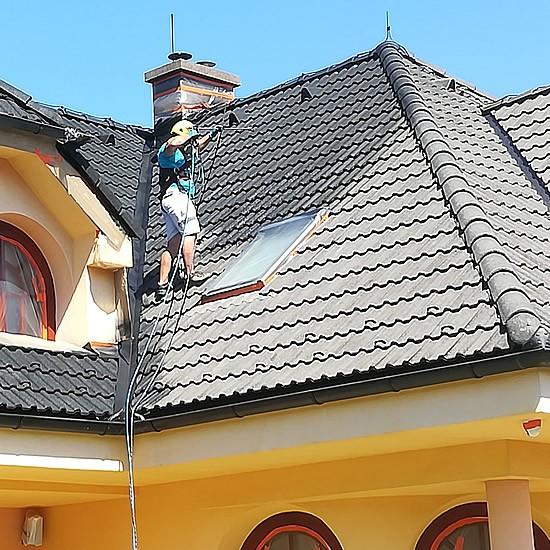 Renovácia strešnej krytiny na rodinnom dome | pemtrade.sk