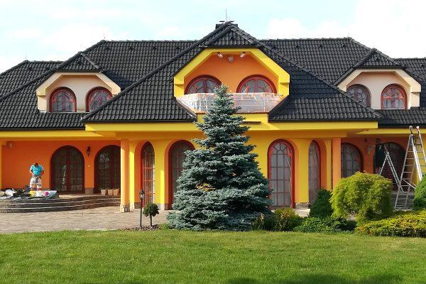 Maľovanie strechy rodinného domu
