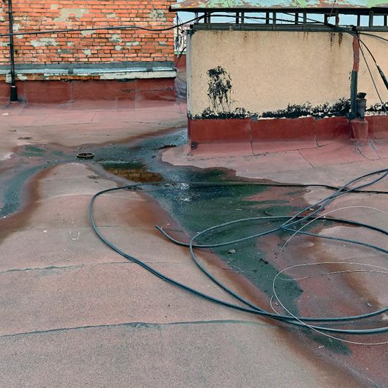 Vyzerá vaša strecha takto? Izolácia a opravy plochých striech | Pemtrade.sk