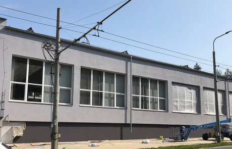 Maľovanie fasády výrobnej haly