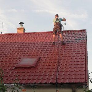 Maľovanie plechovej strechy